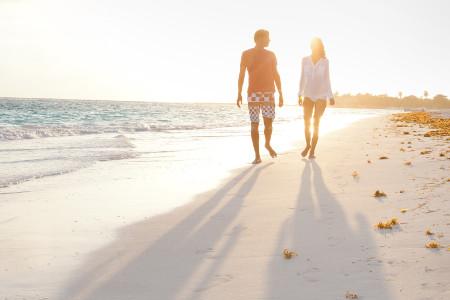 o-COUPLE-BEACH-facebook